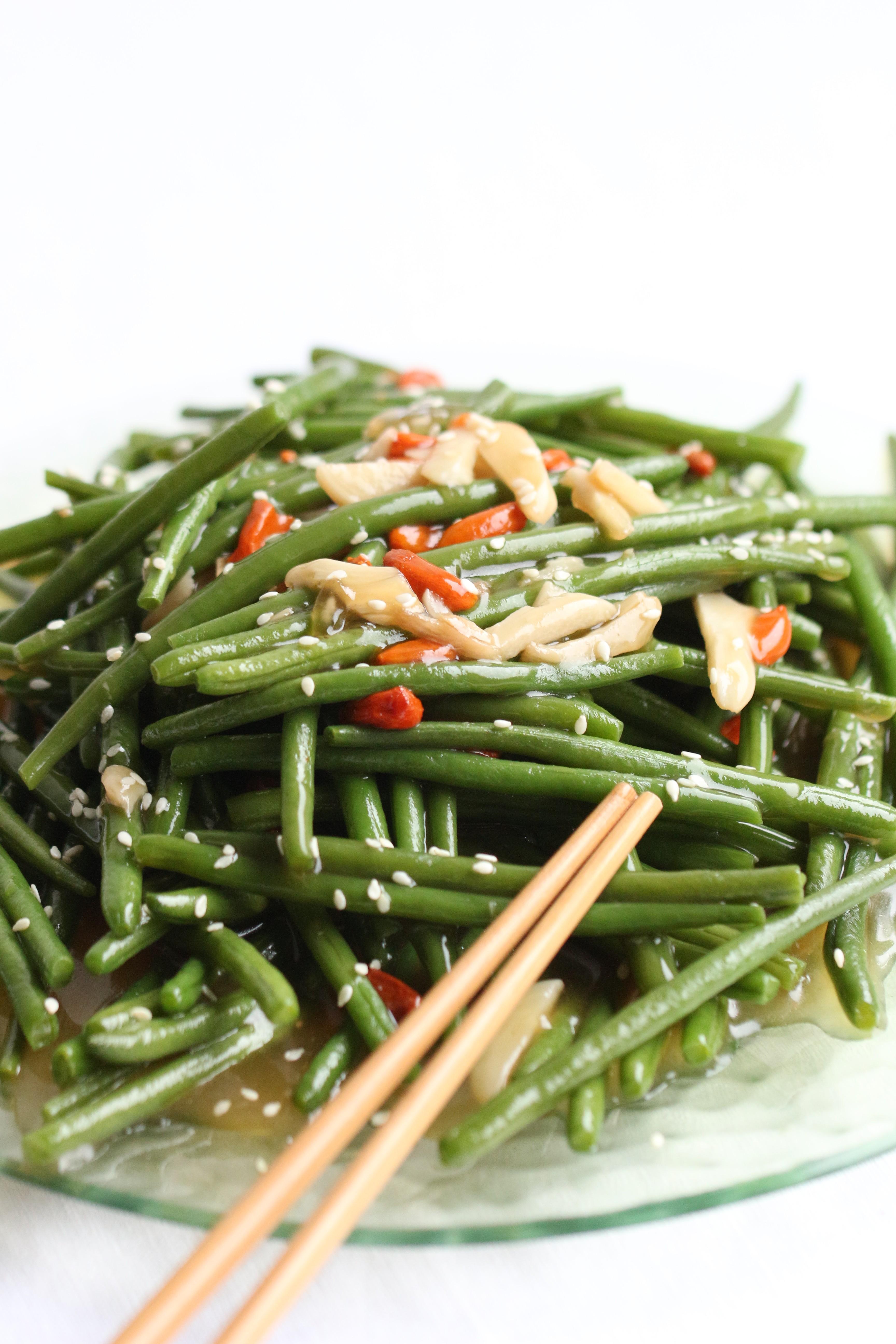 Haricots Verts Sautés à l'Ail & Baies de Goji
