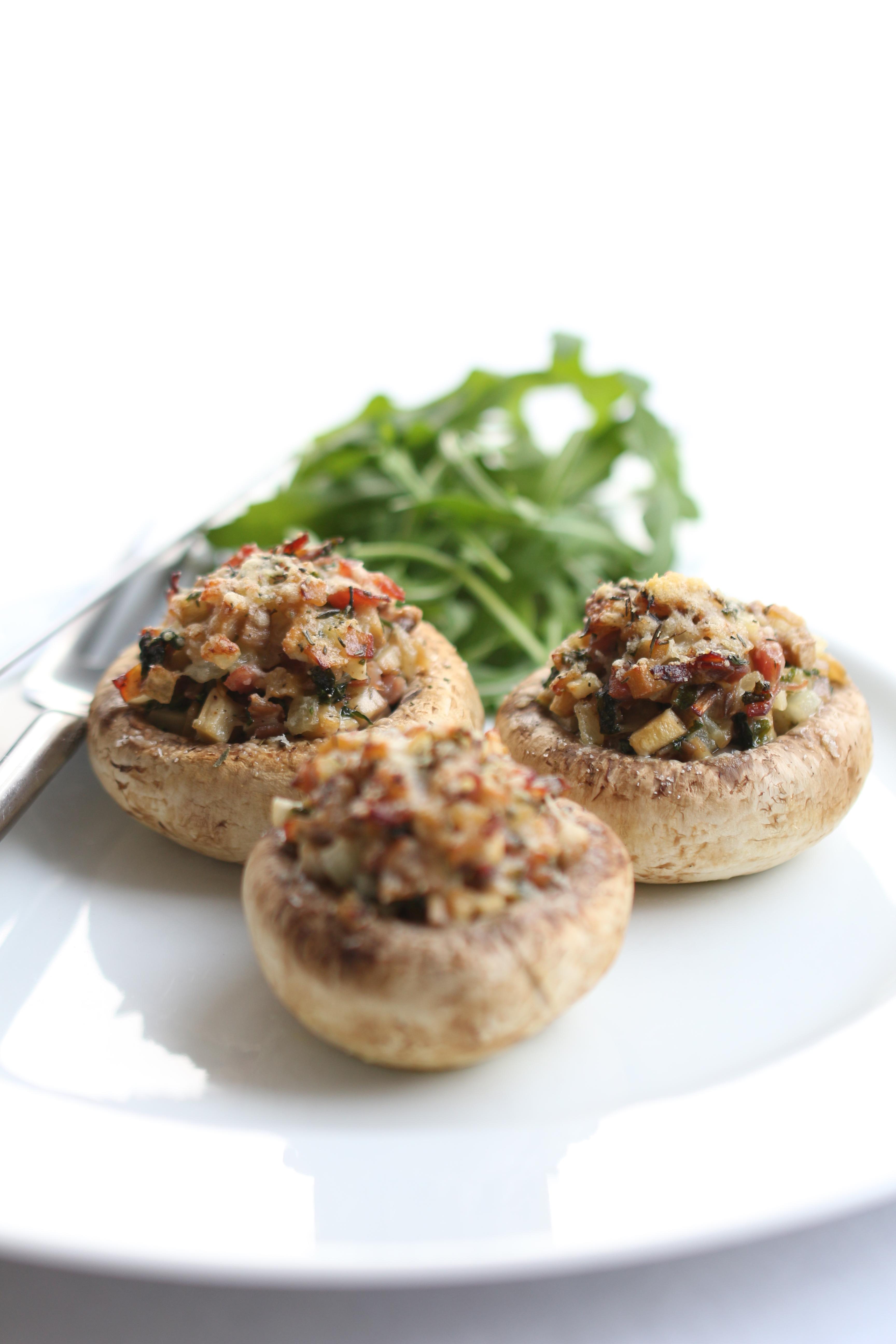Champignons Farcis au Jambon de Parme & Parmesan - Entre la Poire & le Fromage