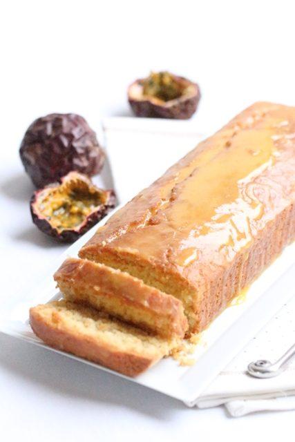 cake-a-la-noix-de-coco-glacage-au-fruit-de-la-passion-1