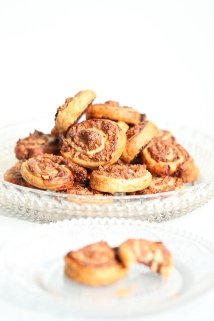 feuilletes-roules-aux-dattes-aux-amandes1