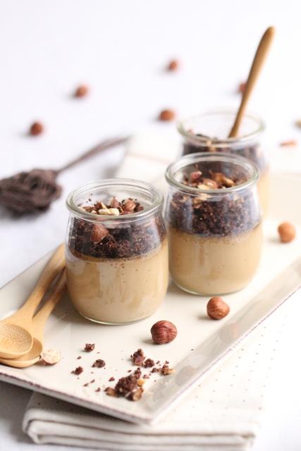 cremes-au-cafe-crumble-aux-noisettes-cacao-amer-1