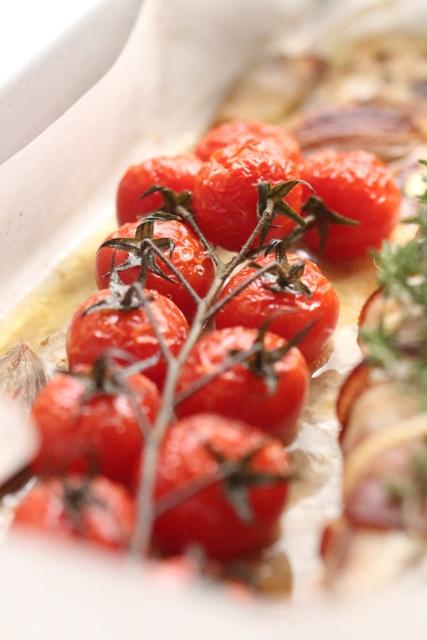 Queue de Lotte Rôtie au Lard, Tomates en Grappe & Echalotes Confites3