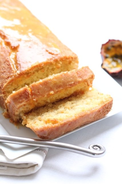 cake-a-la-noix-de-coco-glacage-au-fruit-de-la-passion-2
